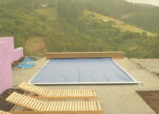 Proyecto de cubiertas para piscinas benchmount toptrack
